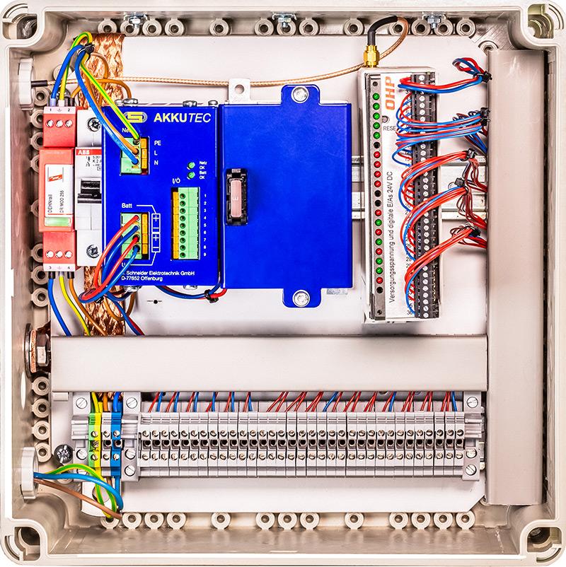 Schaltschrank Fernwirkanlage mit MicroC und USV